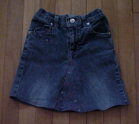 Turn-Old-Jeans-into-Skirt-wonderfuldiy