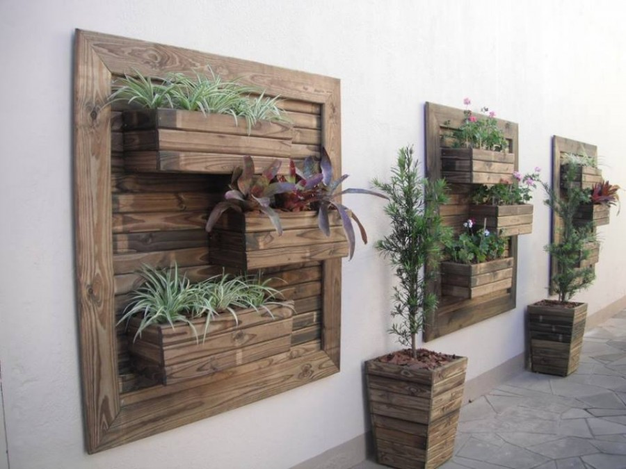 Vertical-Garden-Planter-wonderfuldiy
