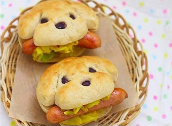 How-to-Bake-Dog-Shape-Hot-Dog-Sandwich-11