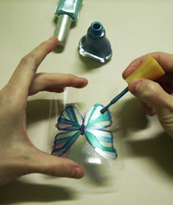 Butterfly-Made-with-Plastic-Bottles-08
