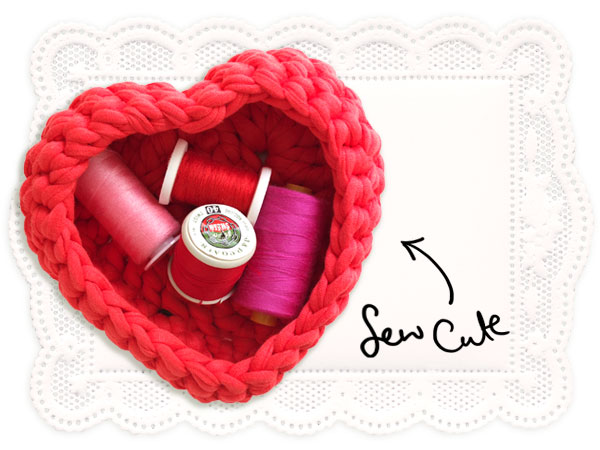 Wonderful DIY Crochet Heart Baskets