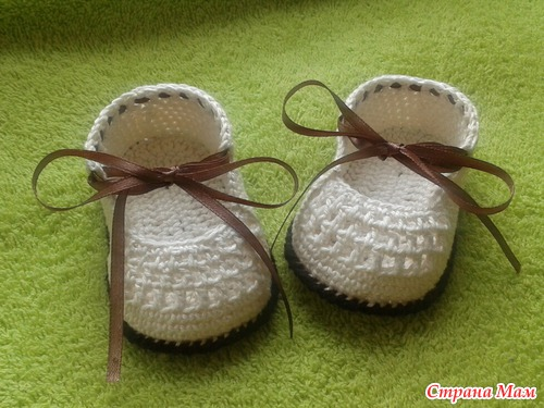 Crochet ribbon tie Baby Shoes14