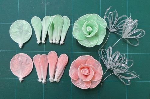 DIY-Roses-from-Plastic-Garbage-Bag-6