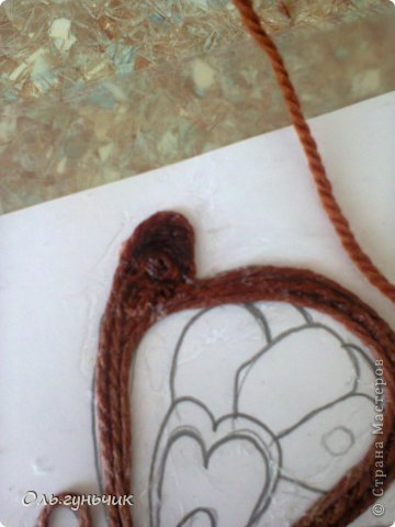 How-to-Make-Beautiful-Filigree-Butterfly-with-Yarn-14