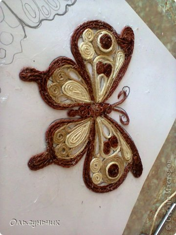 How-to-Make-Beautiful-Filigree-Butterfly-with-Yarn-19