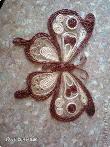 How-to-Make-Beautiful-Filigree-Butterfly-with-Yarn-20