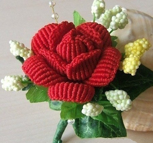 How-to-Weave-Beautiful-Rose-in-the-Art-of-Macrame-7