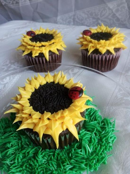 Oreo Sunflower Cupcakes9-2