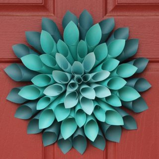 Pretty Paper Dahlia Wreath – DIY Wall Art Made Easy!