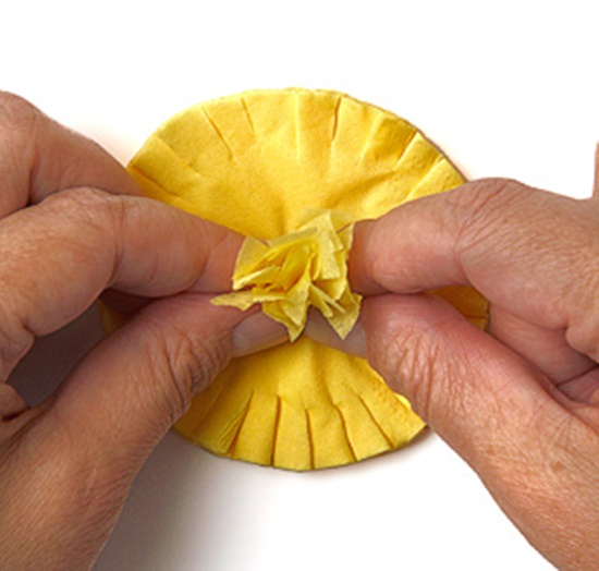 Tissue-Paper-Flowers-10