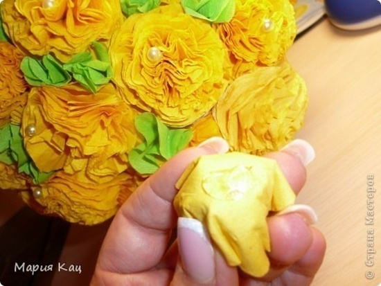 Tissue-Paper-Flowers-26