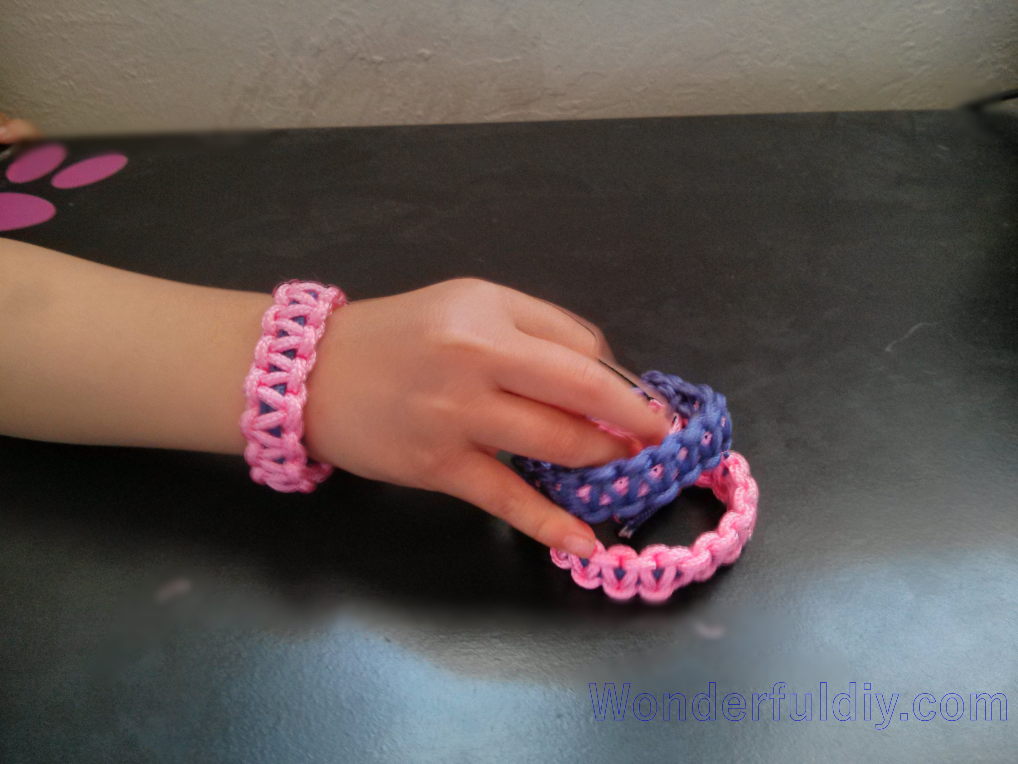 paracord-bracelet-tutorial-8 w