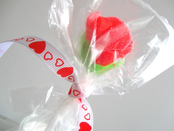 sweet rose treat8 Wonderful DIY Sweet Gumdrop Rose