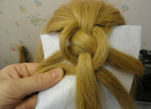 Braided-Chain-Pigtail-Hairstyle-7