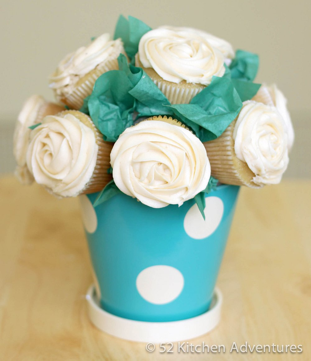 Cupcake Rose Bouquet - white and blue