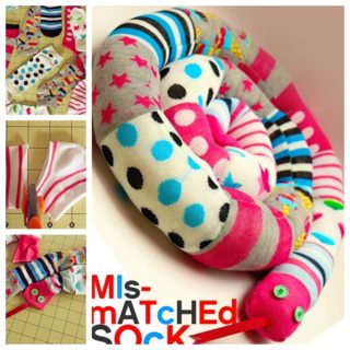 Wonderful DIY Mismatched Socks Snake
