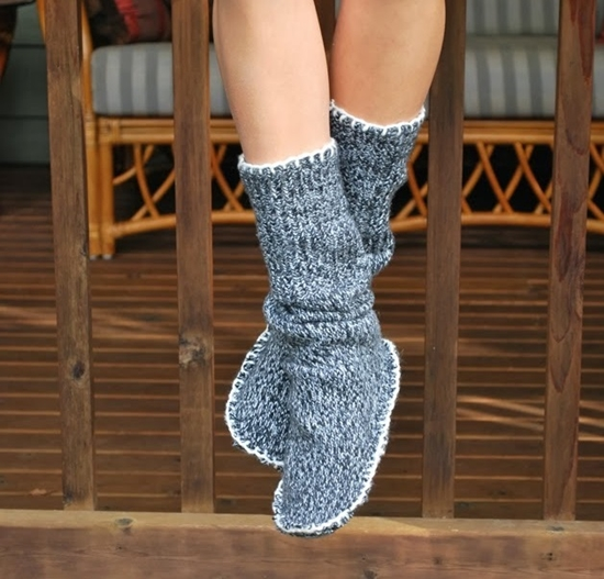 Sweater Slipper Boots1 Wonderful DIY  Slipper Boots From Sweater