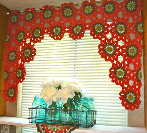 crochet flower valance 2 Bright and Beautiful Homemade Crochet Flower Curtain