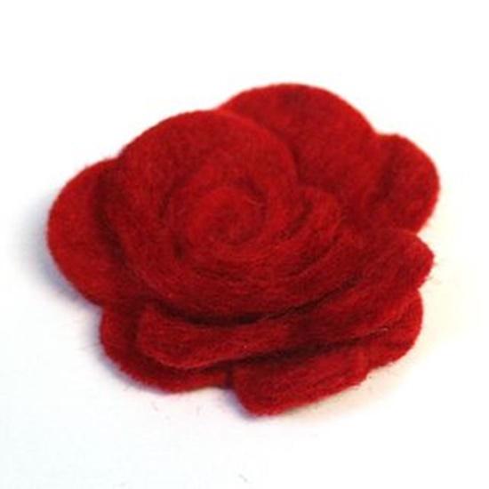 diy-beautiful-felt-rose-mobile-9