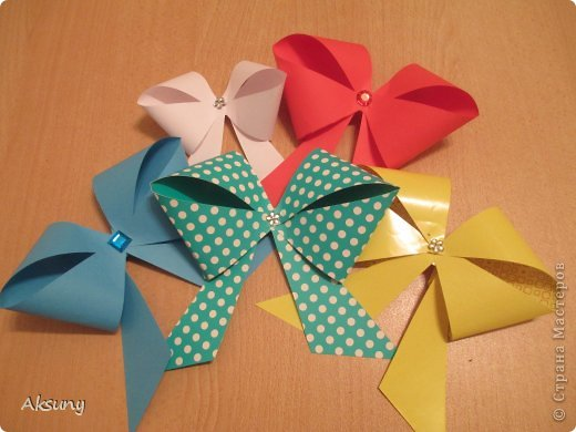 diy gift packing paper bow 01 Wonderful DIY Pretty Paper Bow
