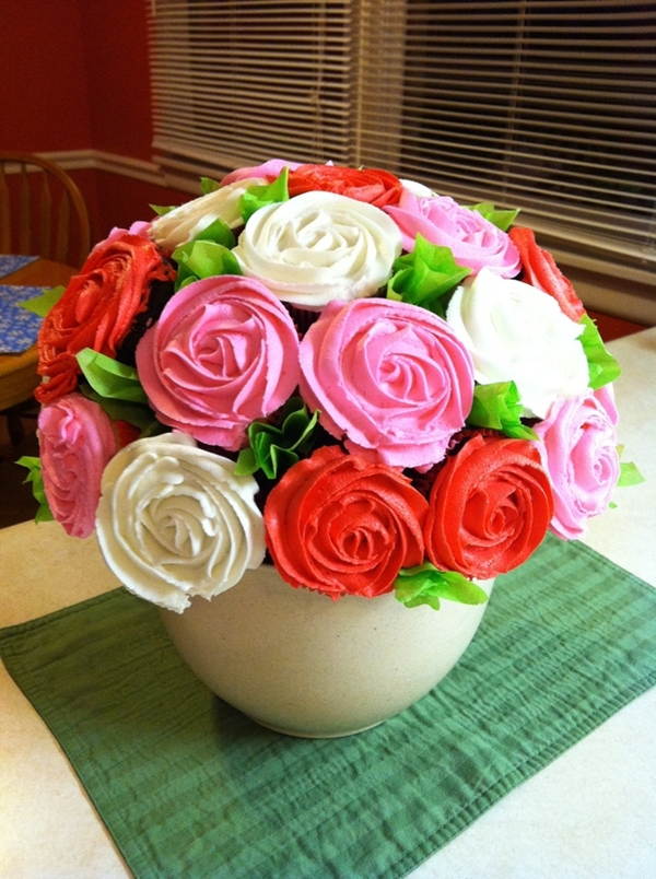 Ravishing Rose Cupcake Bouquet - Free Guide and Tutorial