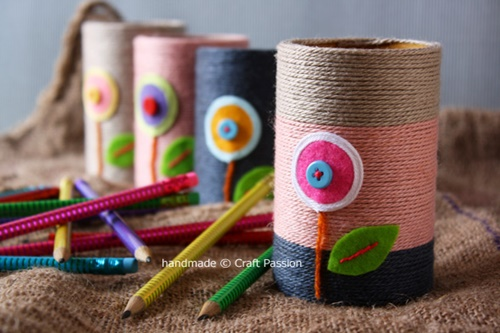 yarn pencil holder from paper rolls0 Wonderful DIY Yarn Pencil Holder From Paper Rolls