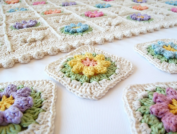 Flower Granny Squares2 Wonderful DIY Crochet Flower Granny Squares