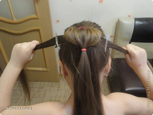 Heart Ponytail Hairstyle6