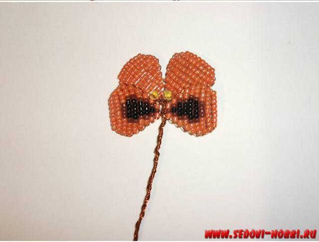 How-to-make-Beads-Pansy-Flower-00-14