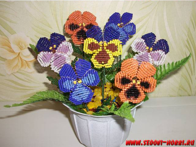 How-to-make-Beads-Pansy-Flower-00-25