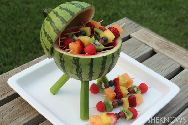 Watermelon Grill Centerpiece0 Wonderful DIY Creative Watermelon Grill Centerpiece