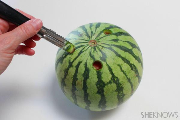 Watermelon Grill Centerpiece1 Wonderful DIY Creative Watermelon Grill Centerpiece