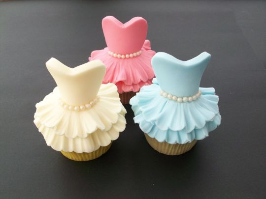 ballerina cupcake2 Beautiful Ballerina Cupcakes, Quick Recipe