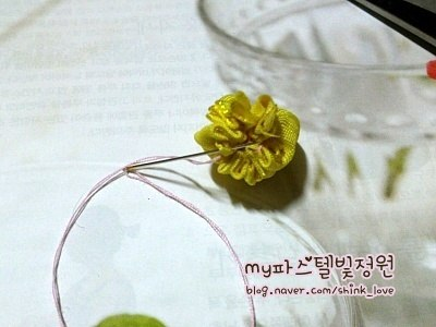 diy-ribbon-flower-hair-clip-07