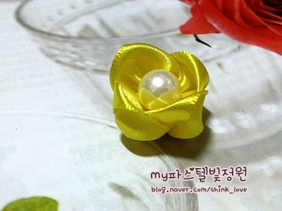 diy-ribbon-flower-hair-clip-08