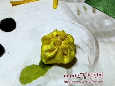 diy-ribbon-flower-hair-clip-09