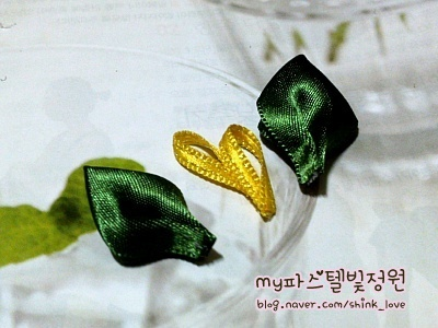 diy-ribbon-flower-hair-clip-12