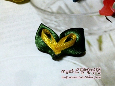 diy-ribbon-flower-hair-clip-13