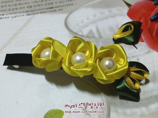 diy-ribbon-flower-hair-clip-18