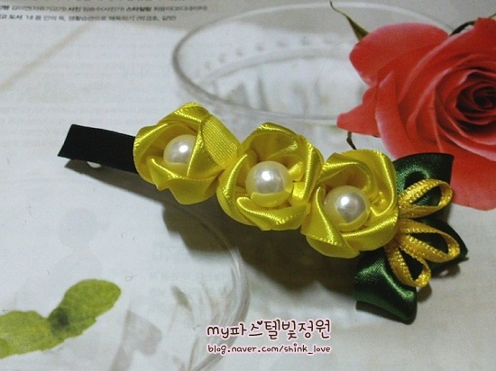 diy-ribbon-flower-hair-clip-19