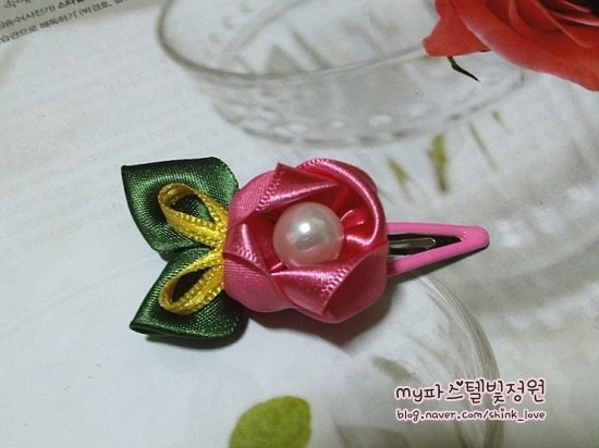 diy-ribbon-flower-hair-clip-20