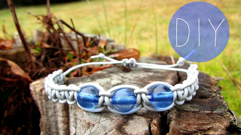 earphones recycled into bracelet Amazing DIY Recycled Headphones Bracelets