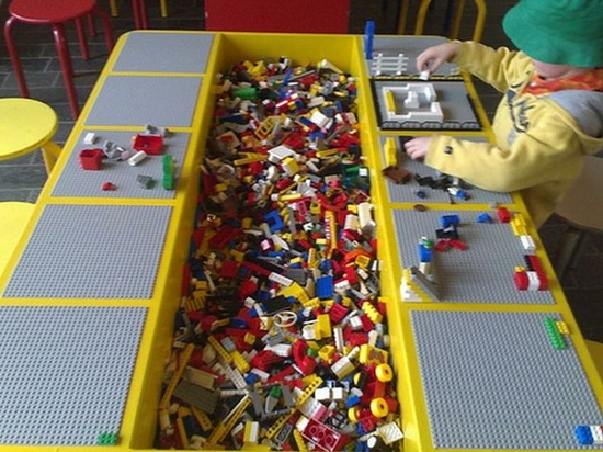 Diy lego tables perfect for kids of all ages view in gallery lego table 6 solutioingenieria Gallery