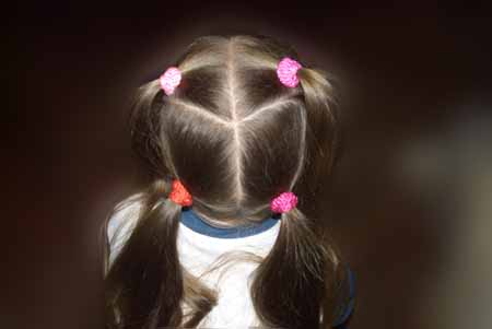 DIY-Heart-Shaped-Braids-Hairstyle-03