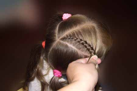 DIY-Heart-Shaped-Braids-Hairstyle-05