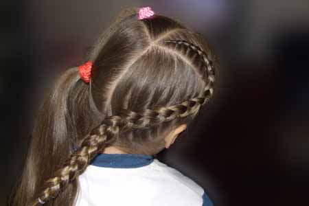 DIY-Heart-Shaped-Braids-Hairstyle-07