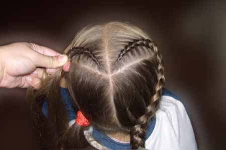 DIY-Heart-Shaped-Braids-Hairstyle-08