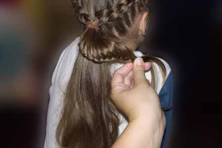 DIY-Heart-Shaped-Braids-Hairstyle-12