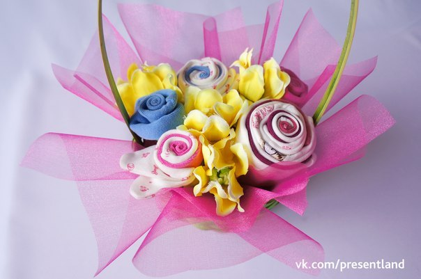 How-to-DIY-Baby-Clothes-Flower-Bouquet-9