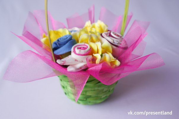 How-to-DIY-Baby-Clothes-Flower-Bouquet0